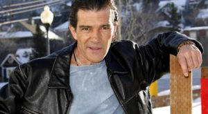 antonio-banderas-height-weight-body-measurements